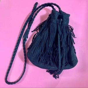 🖤 H&M Fringe Faux Suede Bucket Bag 🖤